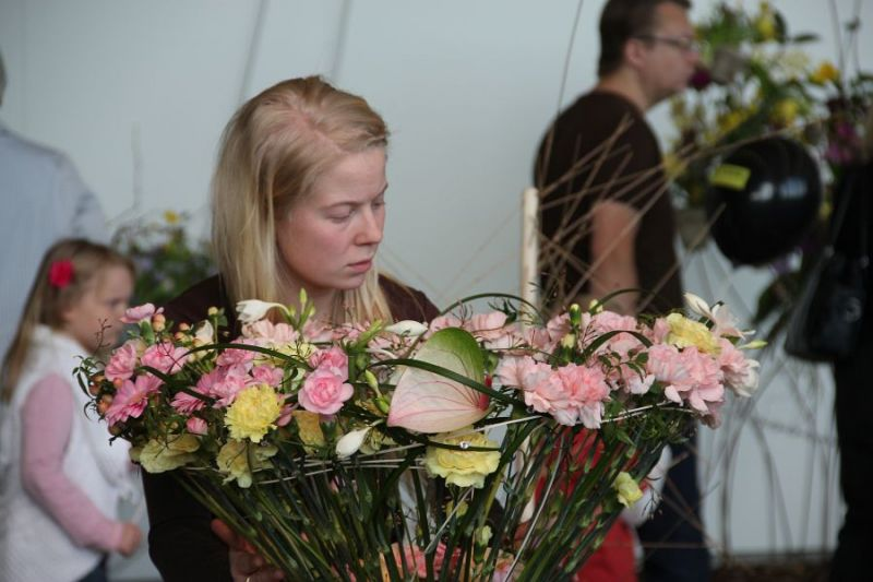 Master of floral design student Hanna Tervo, Finnish Championship competition