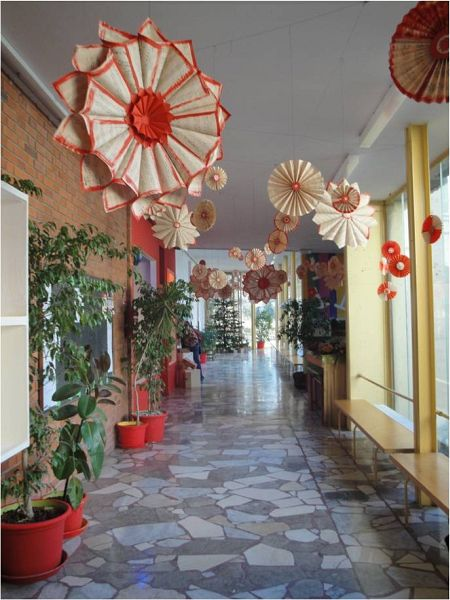 Astounding School Hallway Christmas Decorating Ideas Merry Christmas Largest Home Design Picture Inspirations Pitcheantrous